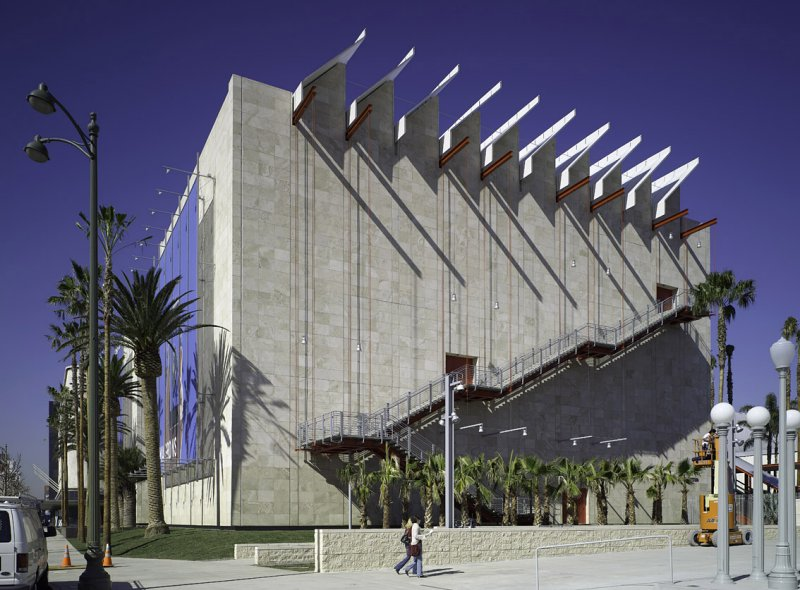The broad contemporary art museum at lacma by renzo piano for Craft workshops los angeles