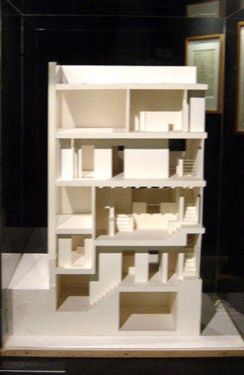 Adolf loos 1870 1933 architettura utilit e decoro for Architetti per interni