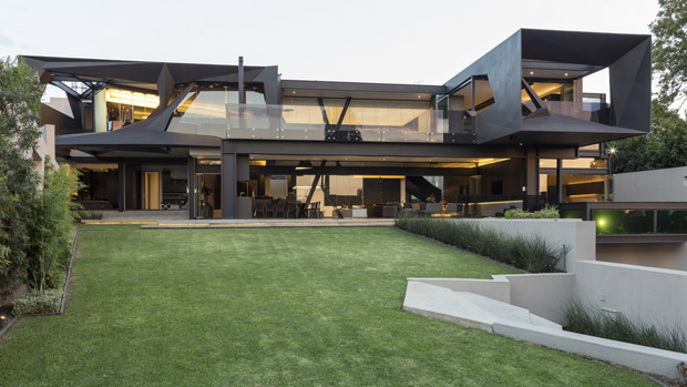 Kloof Road House by Nico van der Meulen Architects. [South Africa]