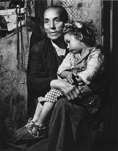 Nonna e nipote, 1946