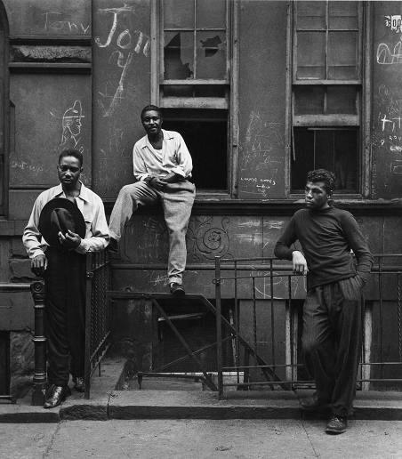 Tre uomini, 1952