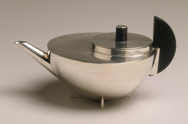 Marianne Brandt, Marianne Brandt, Teapot, circa 1924 - © The Metropolitan Museum of Art, Dist. RMN-Grand Palais / image of the MMA / A.D.A.G.P. 2016